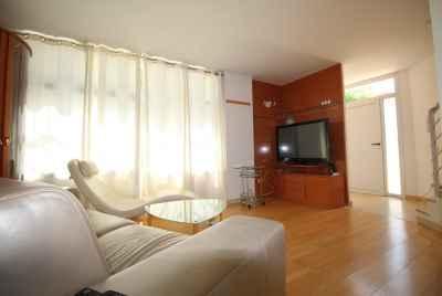Двухкомнатная квартира у моря в Барселоне с великолепной террасой